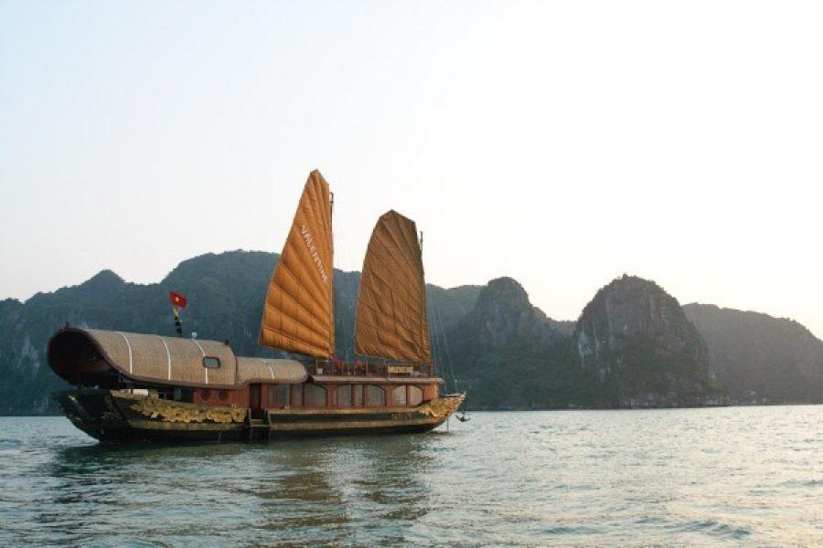 Discovery Halong Bay On Valentine Cruise 2 Days 1 Night